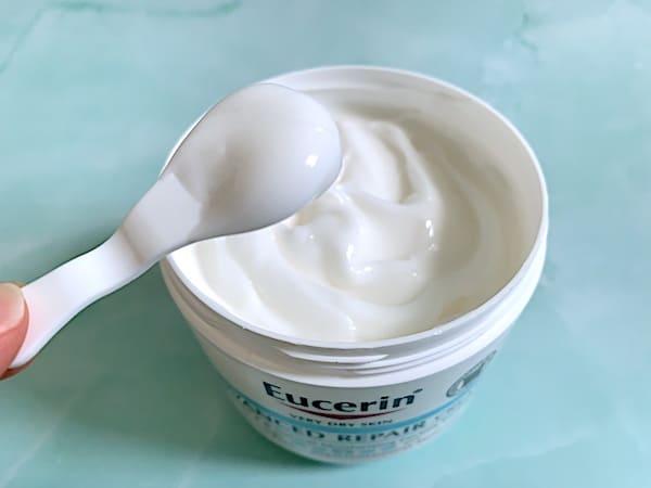 Eucerin Advanced Repair Cream sampled on spatula